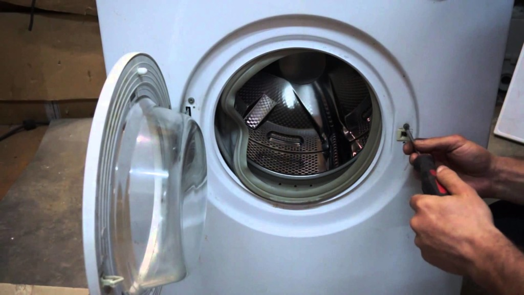 Заклинило замок стиральной машины